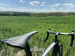 Fuji One. 1 Carbon Road Bike 56cm Ultegra R8000 Profile Design Full Carbon Wheels