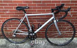 Gavin 56cm Aluminum Road Bike Carbon Fork 700C Wheels 18 Speed Road Bicycle